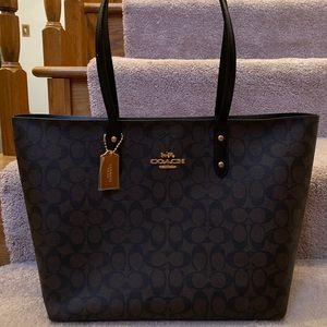 Brand new COACH tote bag